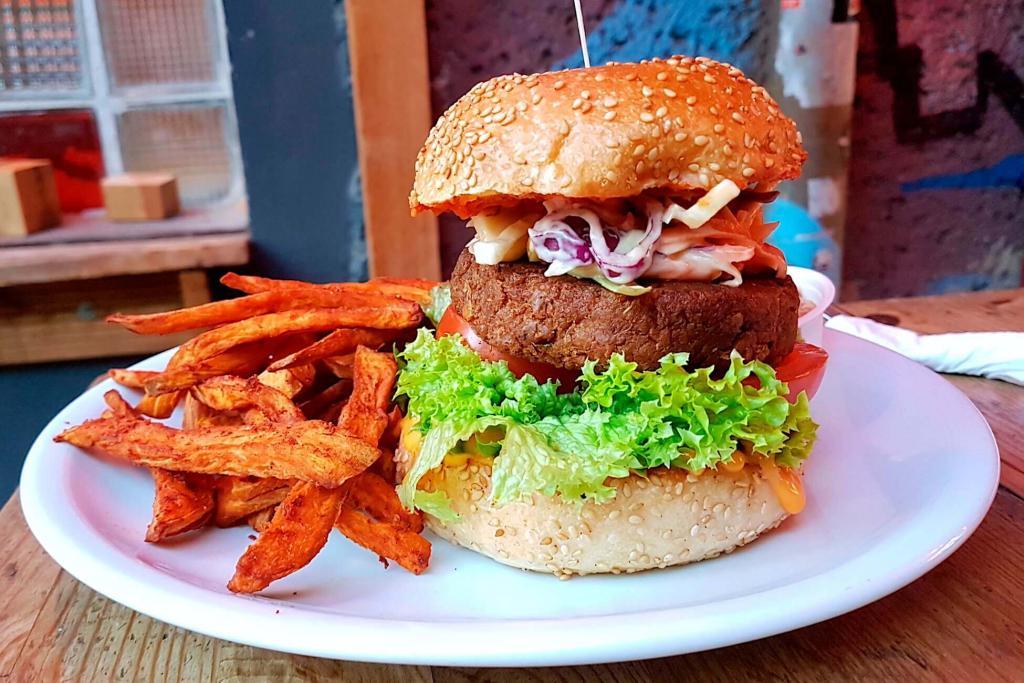 Emma Pea - vegan Thai burger