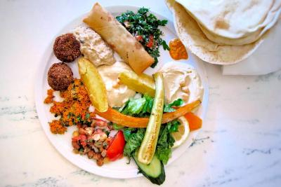 Yarok Berlin - Mixed platter (vegan)