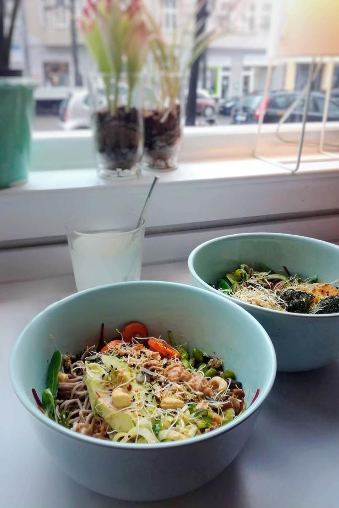 Vegan lunch bowls   Photo by Denise Kopyciok