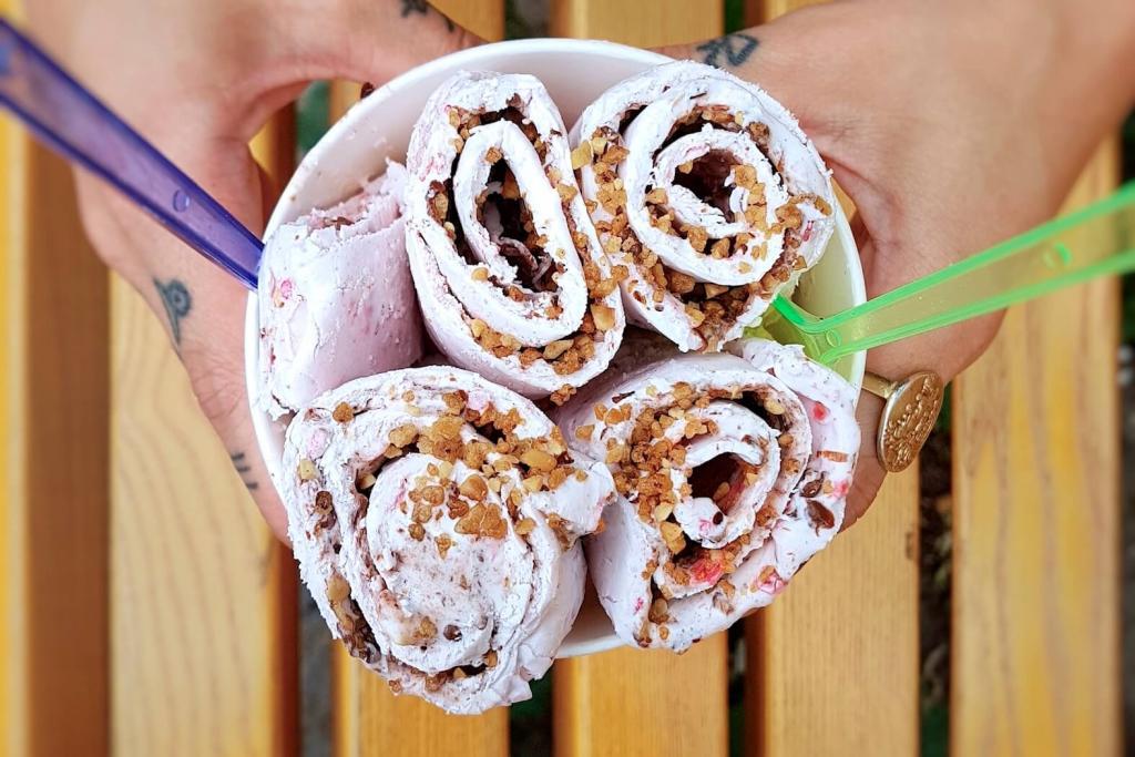 Delabuu - rolled ice cream Berlin